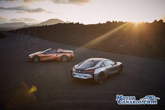 BMW presenta el biplaza descapotable deportivo híbrido i8 Roadster.