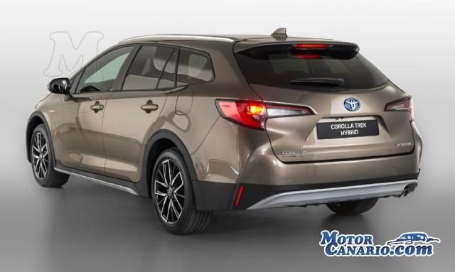 Toyota lanza una variante de estética off-road del Corolla.